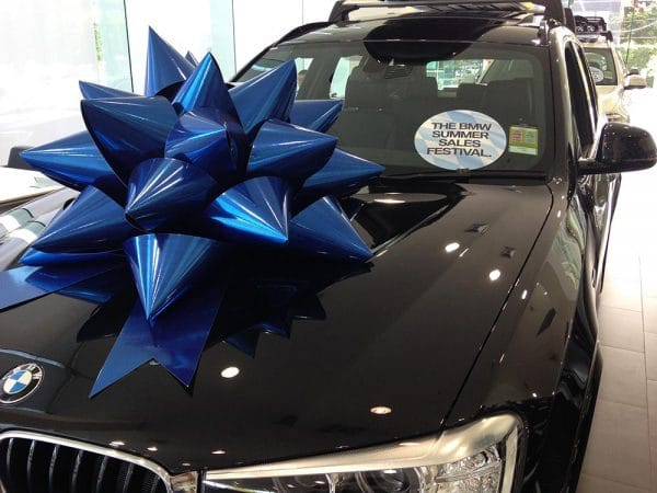Christmas Marketing Campaign   BMW   Large Car Bows   Bowzz