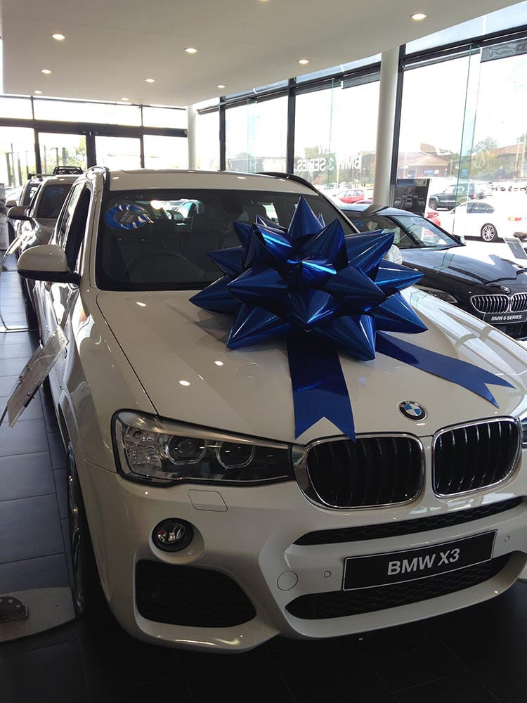 Christmas Marketing Campaign | BMW | Large Car Bows | Bowzz